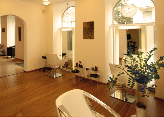 Salon VIP Hair Lounge Hairstyling and More